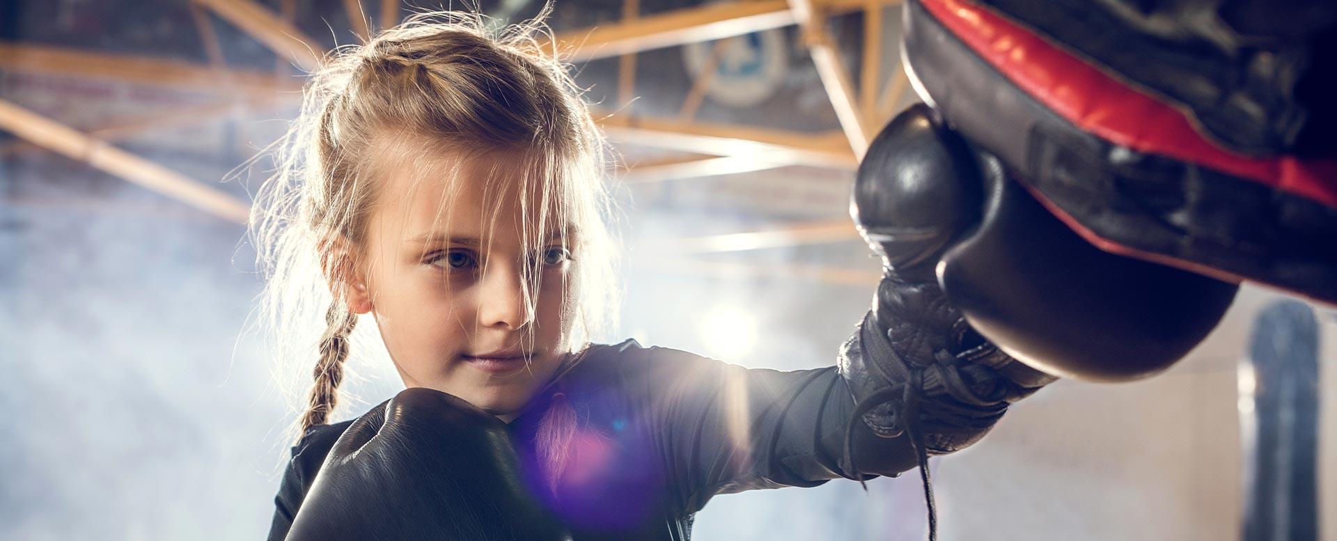 Mädchen beim Boxen